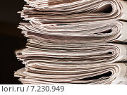 Купить «Стопка старых газет», фото № 7230949, снято 5 апреля 2015 г. (c) Валерий Бочкарев / Фотобанк Лори