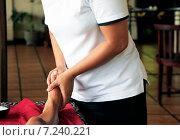 Купить «Массаж ног», фото № 7240221, снято 10 июля 2010 г. (c) Морозова Татьяна / Фотобанк Лори