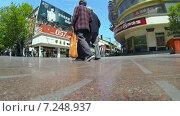 Купить «Улица Наньнин солнечным днём. Шанхай. Китай. Замедленная съёмка», видеоролик № 7248937, снято 6 мая 2014 г. (c) Кирилл Трифонов / Фотобанк Лори