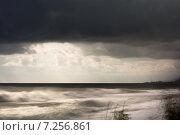 Шторм в п.Лазаревское г. Сочи (2014 год). Стоковое фото, фотограф Руслан Нунаев / Фотобанк Лори