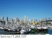 Яхты у пристани Ванкувера (2009 год). Редакционное фото, фотограф Олеся Ефименко / Фотобанк Лори