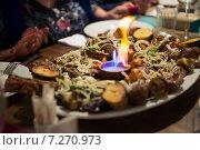 Купить «Блюдо от шеф-повора, шашлык, мясо с огнем», эксклюзивное фото № 7270973, снято 22 сентября 2018 г. (c) Екатерина Тимонова / Фотобанк Лори