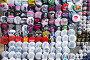 Уличная торговля сувенирными значками на ВДНХ в Москве, эксклюзивное фото № 7285477, снято 2 мая 2009 г. (c) lana1501 / Фотобанк Лори
