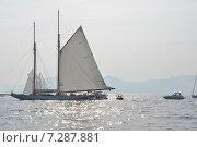 Канны. Парусная яхта. Стоковое фото, фотограф Беличенко Анна Сергеевна / Фотобанк Лори