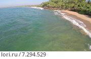 Купить «Берег моря в солнечный день», видеоролик № 7294529, снято 27 марта 2015 г. (c) Михаил Коханчиков / Фотобанк Лори