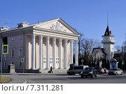Купить «Санкт Петербург. Площадь Старого Театра», фото № 7311281, снято 11 апреля 2015 г. (c) Владимир Кошарев / Фотобанк Лори