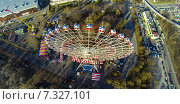Купить «Колесо обозрения на ВДНХ, снятое с квадрокоптера», фото № 7327101, снято 20 января 2020 г. (c) Андрей Родионов / Фотобанк Лори