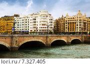 Купить «Sant Sebastian. Santa Catalina bridge over Urumea», фото № 7327405, снято 7 ноября 2014 г. (c) Яков Филимонов / Фотобанк Лори