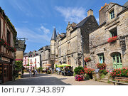 Medieval houses at Rochefort en Terre Brittany in north-western France. Стоковое фото, агентство BE&W Photo / Фотобанк Лори