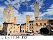 Купить «The Torri Salvucci, Palazzo del Podesta and Torre Grossa, Piazza del Duomo, San Gimignano, Tuscany, Italy», фото № 7344153, снято 25 июня 2019 г. (c) BE&W Photo / Фотобанк Лори