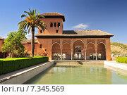 Spain. Granada. Alhambra. The Ladies Tower (Torre de las Damas). Garden of the Partal. Стоковое фото, агентство BE&W Photo / Фотобанк Лори