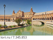 Купить «Plaza de Espana (Place d' Espagne), built between 1914 and 1928 by the architect Anibal Gonzalez, Sevilla, Andalucia, Spain», фото № 7345853, снято 27 марта 2019 г. (c) BE&W Photo / Фотобанк Лори