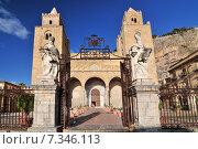 Купить «The Cathedral-Basilica of Cefalu is a Roman Catholic church in Cefalu Sicily southern Italy.», фото № 7346113, снято 22 сентября 2019 г. (c) BE&W Photo / Фотобанк Лори