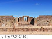 Купить «bolivia - tiwanaku, an important pre-columbian archaeological siteBolivia, Tiwanaku, Temple Kalasasaya, an Important pre Columbian Archaeological Site», фото № 7346193, снято 17 октября 2018 г. (c) BE&W Photo / Фотобанк Лори