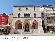 Купить «Croatia, Split, Old Hotel de ville on Nardoni Trg called Pjaca, Split», фото № 7346293, снято 20 июня 2019 г. (c) BE&W Photo / Фотобанк Лори