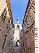 Купить «Колокольня (XVI в.), единственная сохранившаяся постройка монастыря Нотр-Дам-дю-Валь в городе Провен, Франция. Объект ЮНЕСКО», фото № 7346981, снято 22 февраля 2015 г. (c) Иван Марчук / Фотобанк Лори