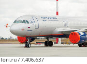 Купить «Airbus A320-214 (VP-BJA, I.Mechnikov) крупным планом в аэропорту Шереметьево», эксклюзивное фото № 7406637, снято 15 апреля 2015 г. (c) Константин Косов / Фотобанк Лори