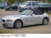 Купить «Спортивный кабриолет BMW Z4 (2003–2006) на автостоянке», фото № 7407785, снято 2 мая 2015 г. (c) Анна Мишина / Фотобанк Лори