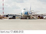 Загрузка и заправка Boeing 747-4KZF (VQ-BIA) в аэропорту Шереметьево, эксклюзивное фото № 7408013, снято 15 апреля 2015 г. (c) Константин Косов / Фотобанк Лори