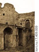 Купить «Средневековая крепость Копорье. Обработка», фото № 7409009, снято 2 мая 2015 г. (c) Nelli / Фотобанк Лори