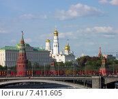 Купить «Вид на Московский Кремль с моста», фото № 7411605, снято 10 мая 2015 г. (c) Алексей Ларионов / Фотобанк Лори