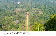 Купить «Сад Сигирия в Шри-Ланке - вид со скалы», видеоролик № 7412945, снято 9 мая 2015 г. (c) Михаил Коханчиков / Фотобанк Лори