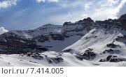 Купить «Панорамный вид на заснеженные горы», фото № 7414005, снято 1 мая 2013 г. (c) Анна Полторацкая / Фотобанк Лори
