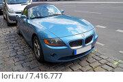 Купить «Голубой спортивный кабриолет BMW Z4 (2003–2006)», фото № 7416777, снято 2 мая 2015 г. (c) Анна Мишина / Фотобанк Лори