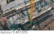 Купить «Пролетая над недостроенными зданиями», видеоролик № 7417373, снято 11 мая 2015 г. (c) Discovod / Фотобанк Лори
