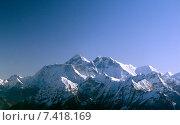 Купить «Kings of the Himalaya mountain range, Nuptse, Mount Everest and Lhotse», фото № 7418169, снято 6 сентября 2006 г. (c) Caro Photoagency / Фотобанк Лори