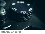Купить «Старая фотокамера, регуляторы выбора выдержки и затвора», фото № 7453481, снято 18 мая 2015 г. (c) Владислав Осипов / Фотобанк Лори