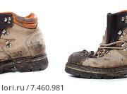 Купить «Грязные походные ботинки», фото № 7460981, снято 17 ноября 2013 г. (c) Анна Полторацкая / Фотобанк Лори