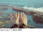 Ноги на фоне моря. Стоковое фото, фотограф Maria Siurtukova / Фотобанк Лори