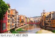 Купить «View of river at Girona in simmer day. Catalonia», фото № 7467869, снято 15 октября 2018 г. (c) Яков Филимонов / Фотобанк Лори