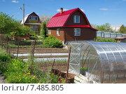 Купить «Дачные домики весной», эксклюзивное фото № 7485805, снято 25 мая 2015 г. (c) Елена Коромыслова / Фотобанк Лори