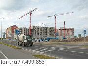 Купить «Строительство многоквартирного жилого дома», эксклюзивное фото № 7499853, снято 16 мая 2015 г. (c) Svet / Фотобанк Лори