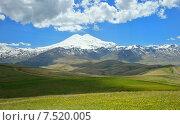 Купить «Эльбрус летом в солнечный день», фото № 7520005, снято 2 июня 2015 г. (c) александр жарников / Фотобанк Лори
