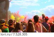 Фестиваль красок (2015 год). Редакционное фото, фотограф Алена Перфилова / Фотобанк Лори