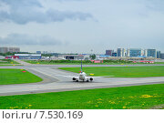 Купить «Самолёт Boeing 737-683 компании SAS Scandinavian Airlines в аэропорту Пулково», фото № 7530169, снято 23 мая 2015 г. (c) Зезелина Марина / Фотобанк Лори
