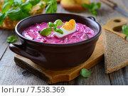 Купить «Холодник - традиционный летний суп из свеклы, огурцов и кефира», фото № 7538369, снято 3 июня 2015 г. (c) Марина Славина / Фотобанк Лори