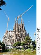 Купить «Строительство Храма Святого Семейства. Барселона. Испания», фото № 7544241, снято 28 апреля 2015 г. (c) Екатерина Овсянникова / Фотобанк Лори