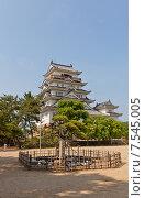 Купить «Донжон замка Фукуяма. Национальный исторический объект Японии. Построен в 1622, разрушен 1945 г., реконструирован в 1966 г.», фото № 7545005, снято 20 мая 2015 г. (c) Иван Марчук / Фотобанк Лори