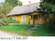 Купить «Старый деревянный дом. Изборск», эксклюзивное фото № 7546097, снято 14 сентября 2010 г. (c) Александр Щепин / Фотобанк Лори