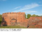 Купить «Башня Дер-Дона (Der Dona) отражается в воде, город Калининград. До 1946 года Кёнигсберг», эксклюзивное фото № 7546457, снято 7 июня 2015 г. (c) Svet / Фотобанк Лори