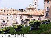 Купить «Festival of floral decorations in Girona», фото № 7547161, снято 14 мая 2015 г. (c) Яков Филимонов / Фотобанк Лори