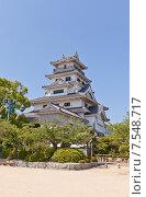 Купить «Главная башня (донжон) замка Имабари (построен в 1604, реконструирован в 1980 г.) в г. Имабари, о. Сикоку, Япония», фото № 7548717, снято 21 мая 2015 г. (c) Иван Марчук / Фотобанк Лори