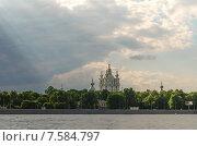 Вид на Смольный собор со Свердловской набережной (2015 год). Стоковое фото, фотограф Ивашков Александр / Фотобанк Лори