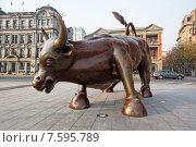 Купить «Статуя биржевого быка», фото № 7595789, снято 29 декабря 2013 г. (c) Павел Нефедов / Фотобанк Лори