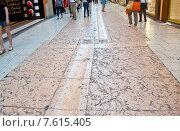 Купить «Верона. Улица мощеная розовыми мраморными плитами», фото № 7615405, снято 18 мая 2015 г. (c) Vladimirs Koskins / Фотобанк Лори