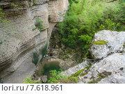 Купить «Скалы в Кодорском ущелье в Абхазии», фото № 7618961, снято 27 апреля 2015 г. (c) Михаил Кочиев / Фотобанк Лори